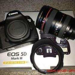 Canon EOS 5D Mark III 22.3 MP Digital SLR Camera (Kit w EF IS 24 105mm Lens)