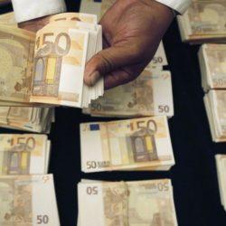 liasse-50-euros-2-salaire-agence-d-Etat_pics_809